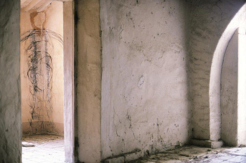 Kreidezeichnung auf Wand in Raumeck