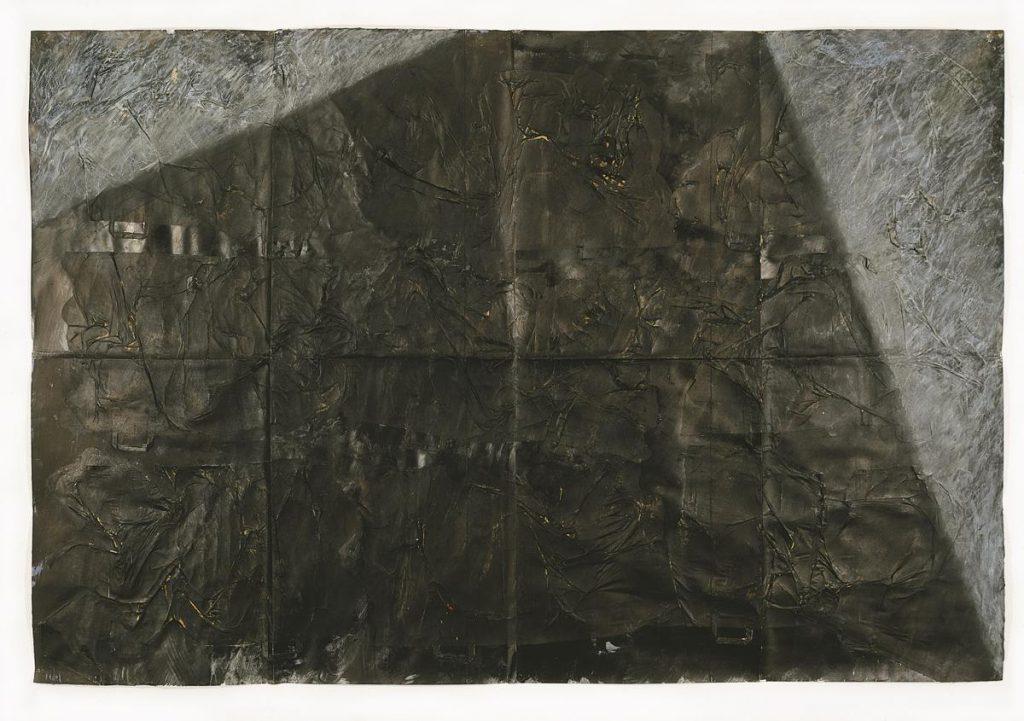 """""""Schattenstück"""", Papiertüten, Leimfarbe mit Beize, Kaffee, Kohle und Kreide auf Karton, 200 x 300 cm, 1990"""