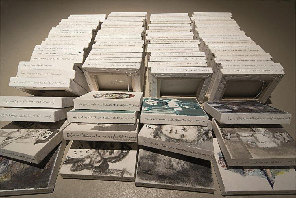 """Kleine Formate zu """"as a child"""", 2008 (Foto Gerd Dollhopf)"""