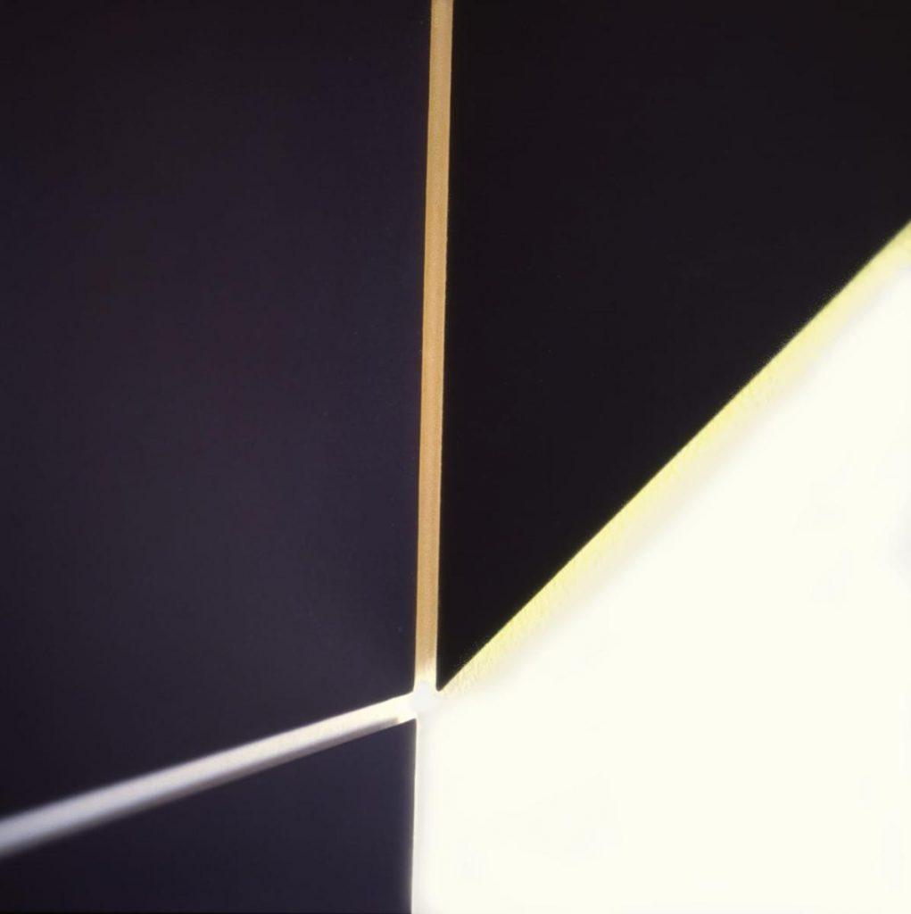 Ausschnitt Wandobjekt im Eck