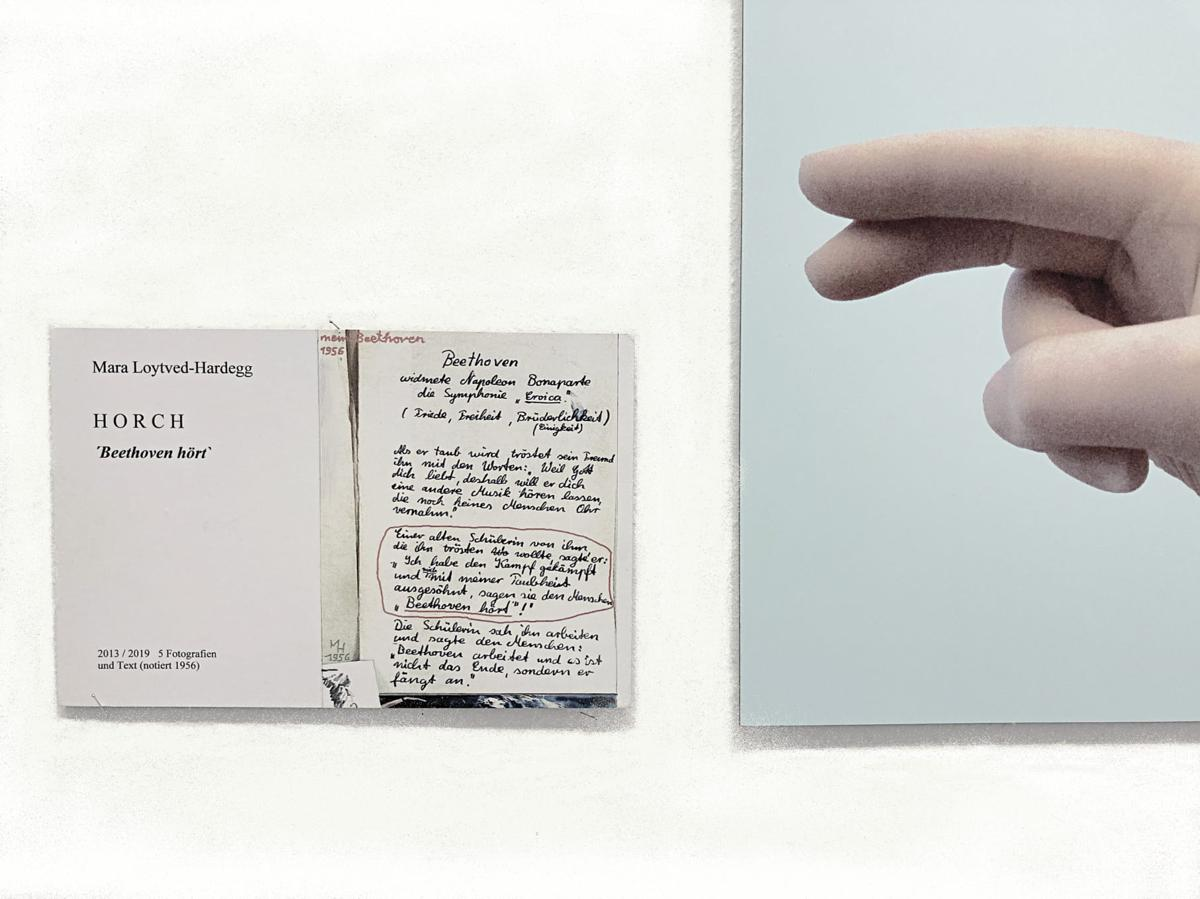 "Mein Beethoven, HORCH, ""Beethoven hört"", 1956/2013/2019, 5 Fotografien, je 38 x 28 cm, und Text, 16 x 24,5 cm (notiert 1956)"
